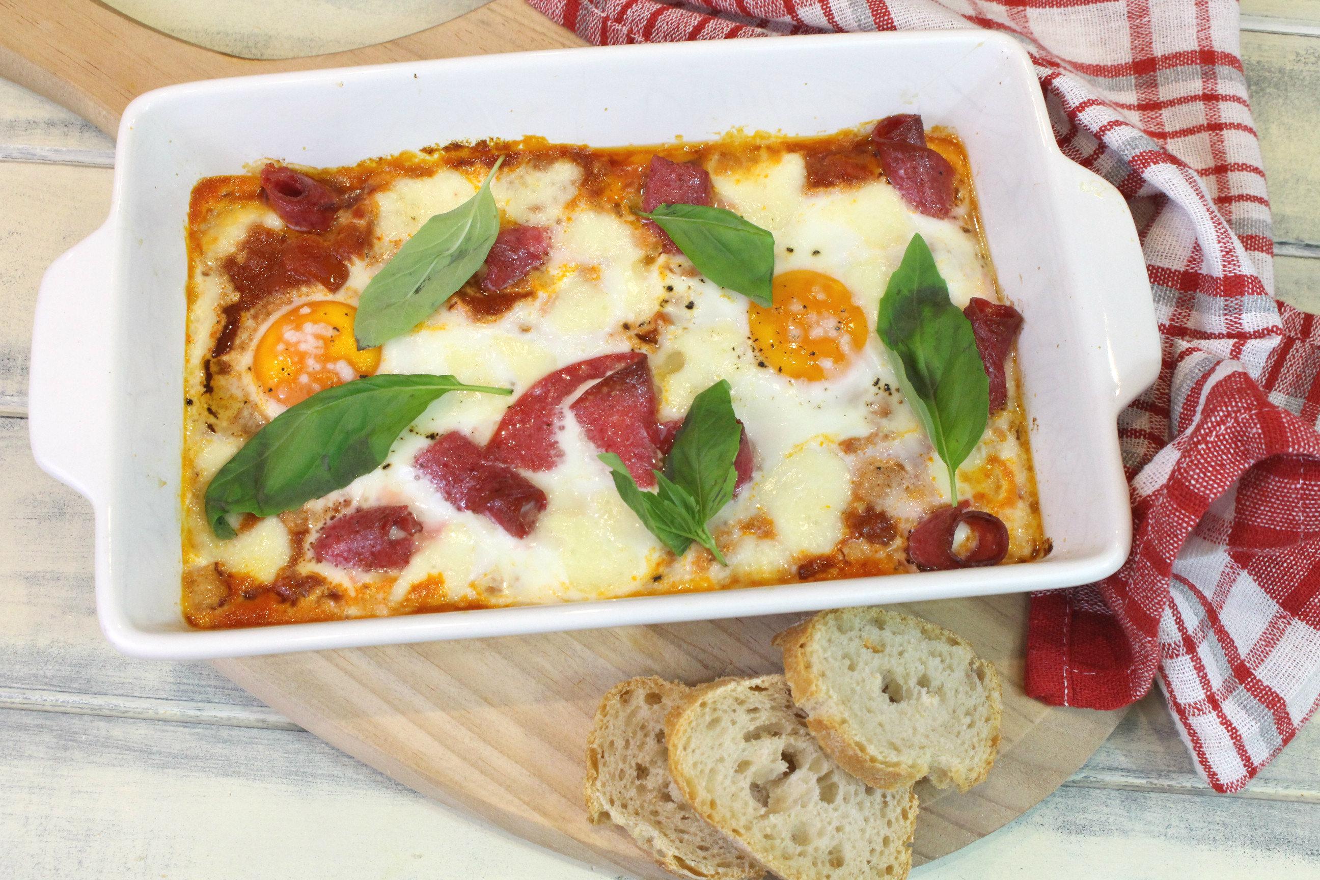 Receta de huevos al plato a la italiana