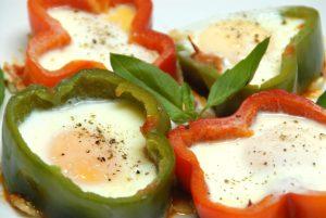 Receta de aros de pimiento con huevo y bacon en Thermomix