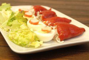 Receta de pimientos rellenos de gulas y palitos de cangrejo