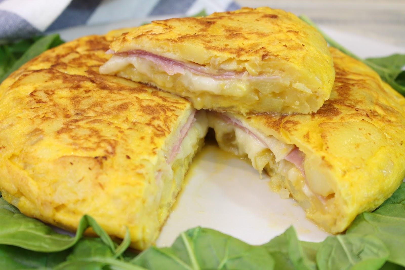 Receta de tortilla de patata rellena de jamón y queso