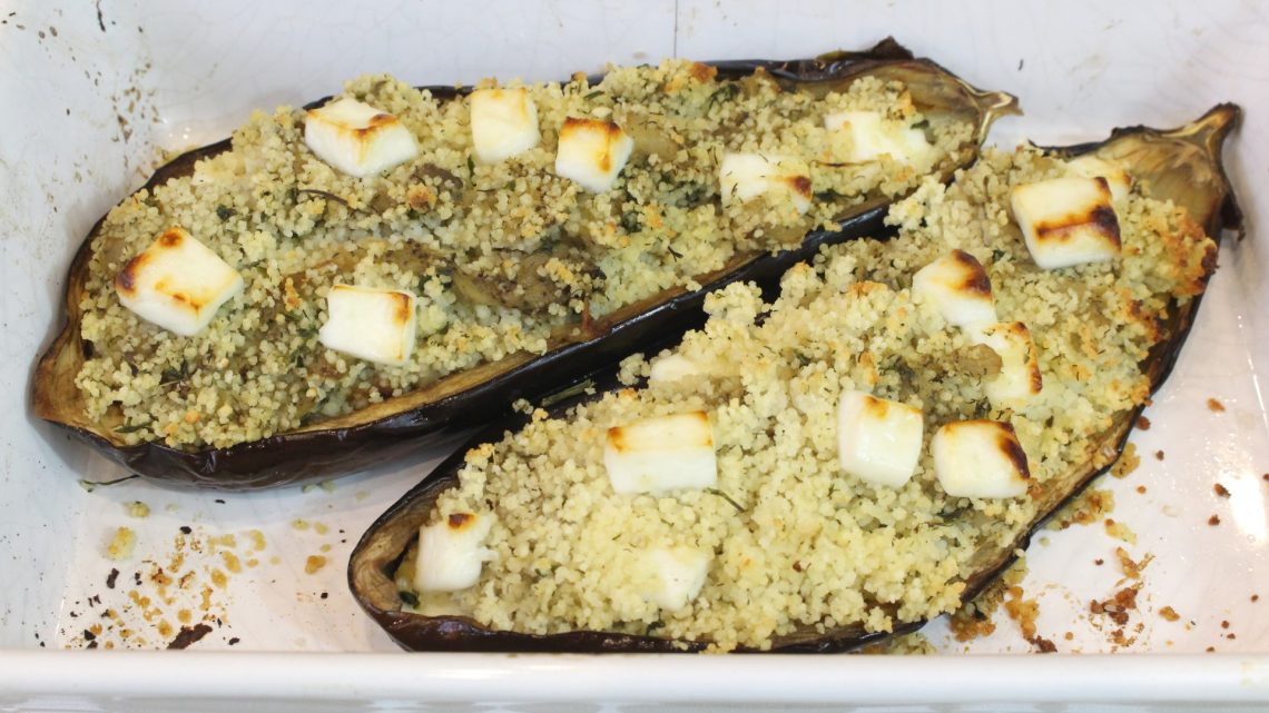 Receta de berenjenas rellenas de couscous y queso fresco