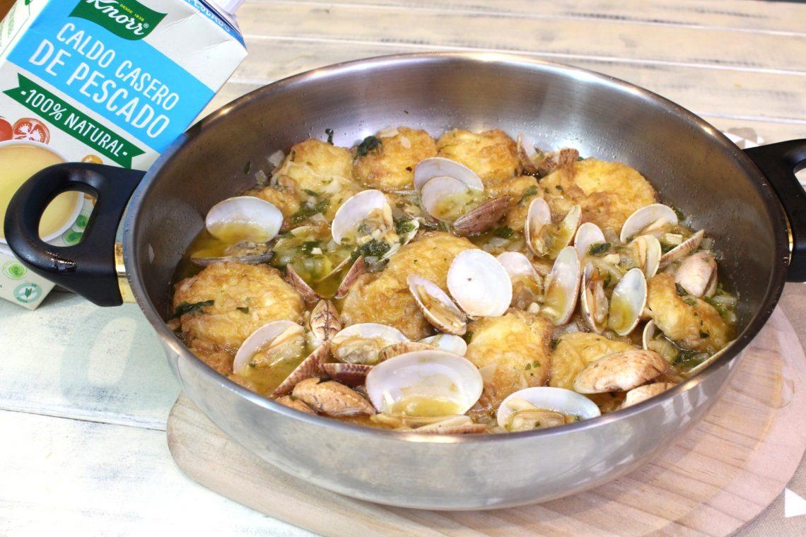 Receta de patatas a la importancia con almejas