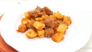 Receta de carne guisada con patatas en Mambo