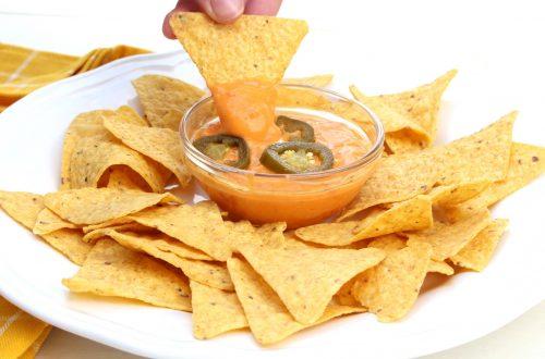 Receta de salsa de queso picante para nachos