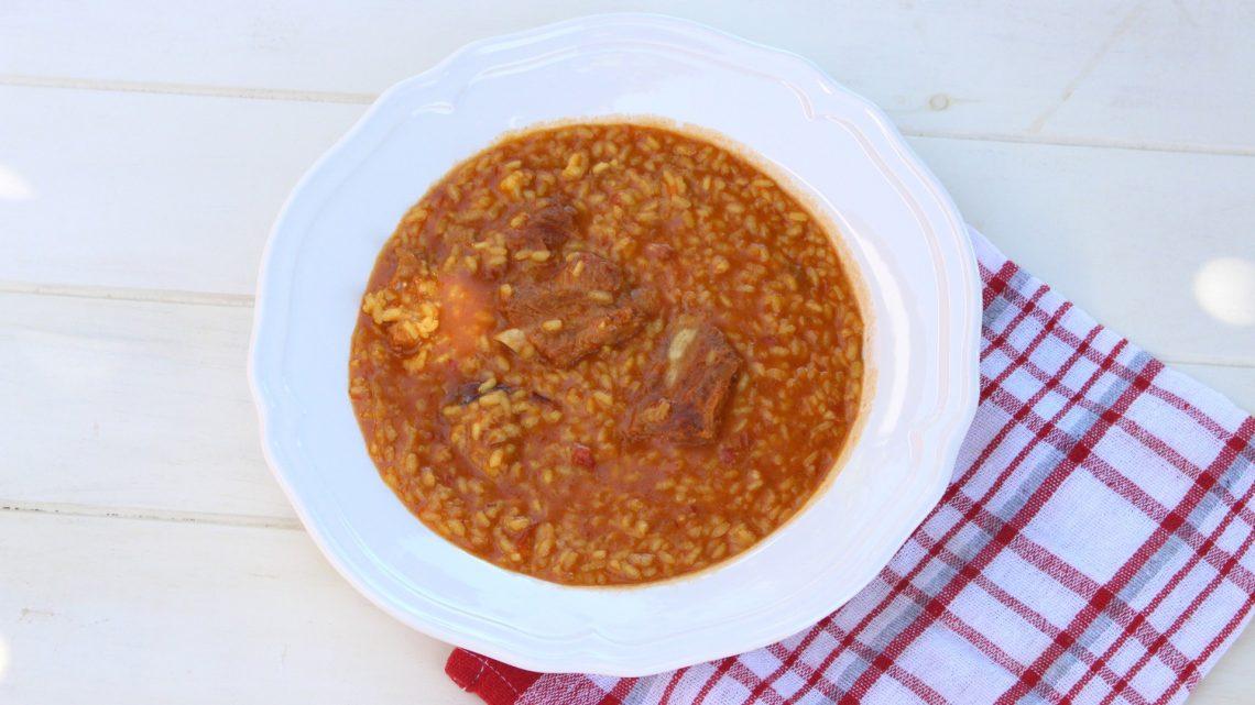 Receta de arroz caldoso con costillas en Mambo