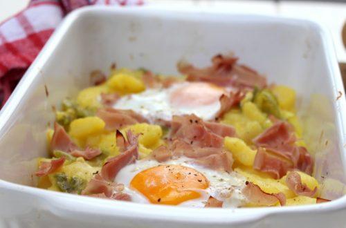 Receta de patatas a lo pobre con jamón york y huevo en Thermomix