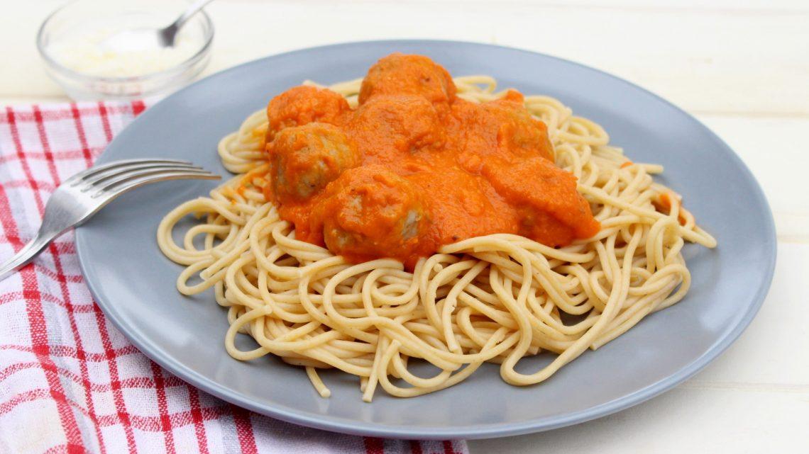 Receta de espaguetis con albóndigas en Thermomix