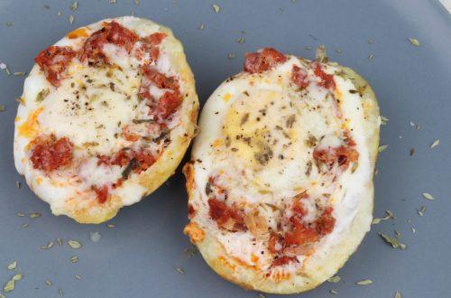 Receta de patatas rellenas de huevo, chorizo y queso