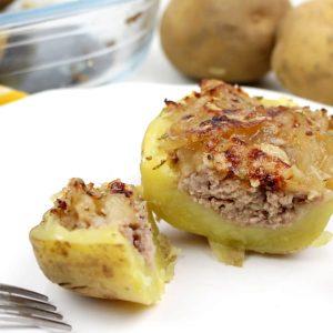 Receta de patatas rellenas de carne y cebolla caramelizada en Thermomix